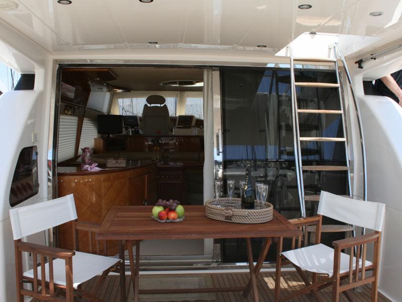 Azimut 58-stern deck