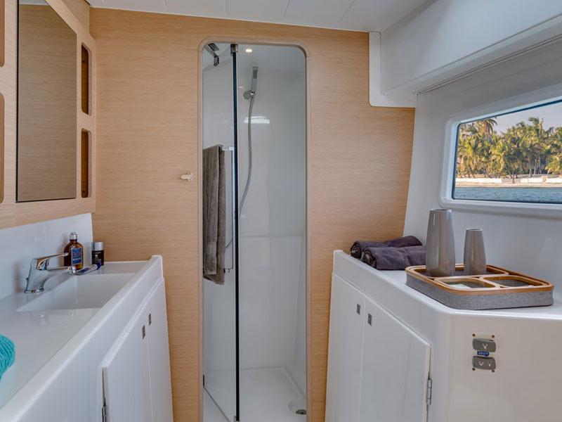 Lagoon 42-bathroom