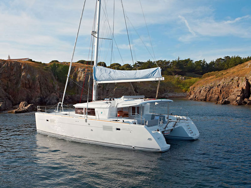 Lagoon 450 catamaran charter while anchored for swimming and relaxation